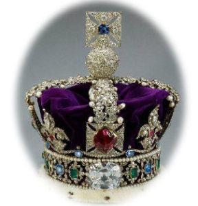 La couronne d'angleterre avec un rubis central Le Prince Noir